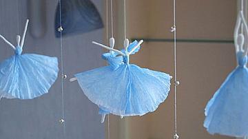 Изящни балерини от тел и салфетки