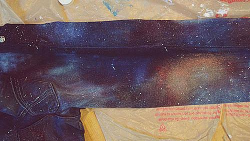 Джинси с космически мотиви за мечтатели