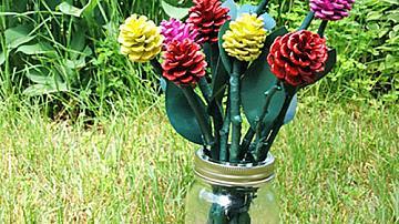 Букет рози от шишарки