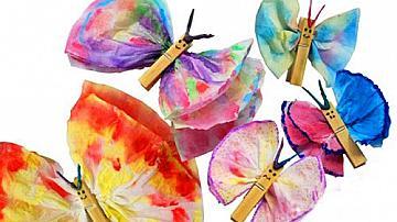 Пеперуди от дървени щипки и носни кърпички