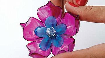 Еко идея: Цветя от пластмасови бутилки