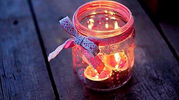 Цветен свещник от буркан