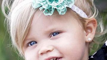 Чудесно дантелено украшение за коса за малки принцеси