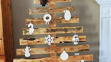 Да направим коледна елха от дървени палети