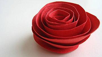 Как да си направим хартиена роза за 5 минути