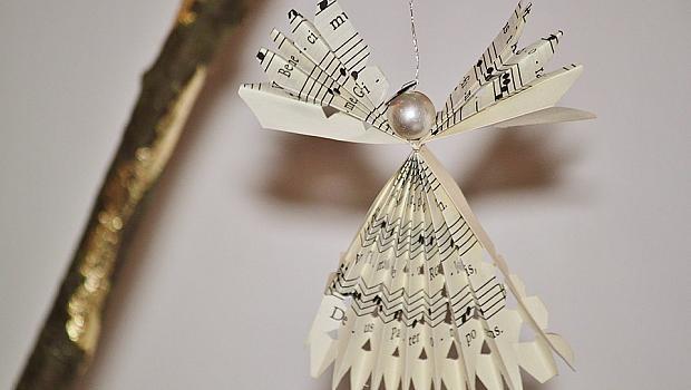 Страхотни идеи за коледна и новогодишна украса от хартия