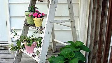 Не изхвърляйте старите стълби, превърнете ги в интериорно решение