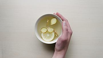 Съветите на баба! Ето кои чайове успешно облекчават зъбобола!