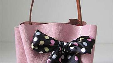 Красива чанта от кожа и панделка, без шиене