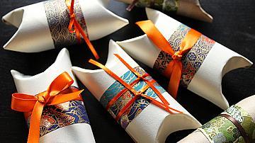 Евтини и красиви подаръчни кутийки от ролки от тоалетна хартия