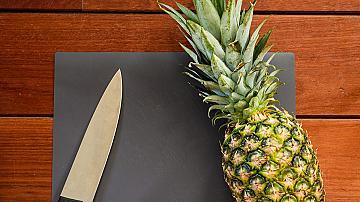 Интересна тропическа идея: ваза от ананас