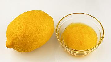 Лесна лимонена маска срещу черни точки
