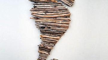 Декорация от клонки във формата на морско конче