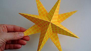 Ръчно изработена звезда от хартия