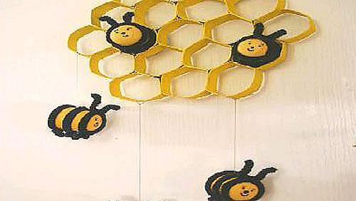 Пчелна пита с пчелички за детската стая