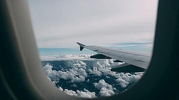 Пътуване със самолет за първи път - какво трябва да знаем и как да се подготвим?