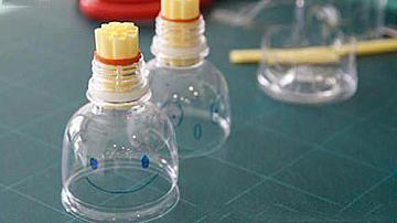 Играчка от бутилка и сламки за супер сапунени балончета