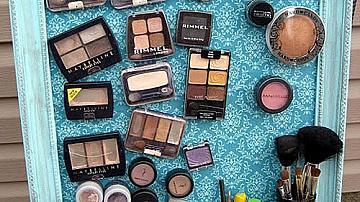 Рамка с магнити за подредба на козметиката