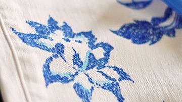 Освежете старите джинси с текстилен маркер и дантела