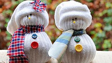 Снежен човек от чорапи