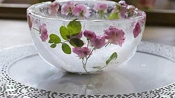 Да смаем гостите с ледена купа с рози
