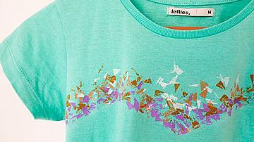 Красив принт върху тениска с восъчни пастели