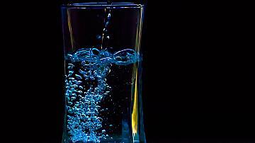 Ето как с водка можем да облекчим болката в ставите и гърба