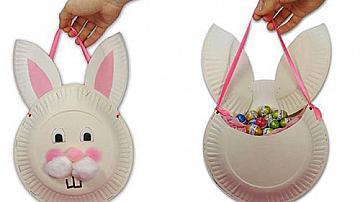 Заек пълен с бонбони за подарък на дете