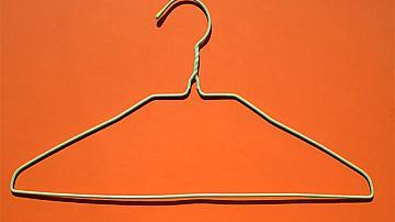 Няколко хитри идеи с телени закачалки за дрехи